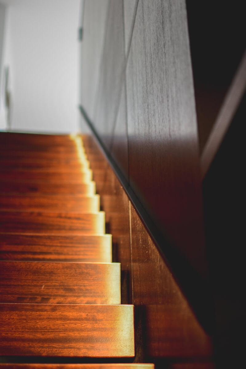 mēbeles - kāpnes