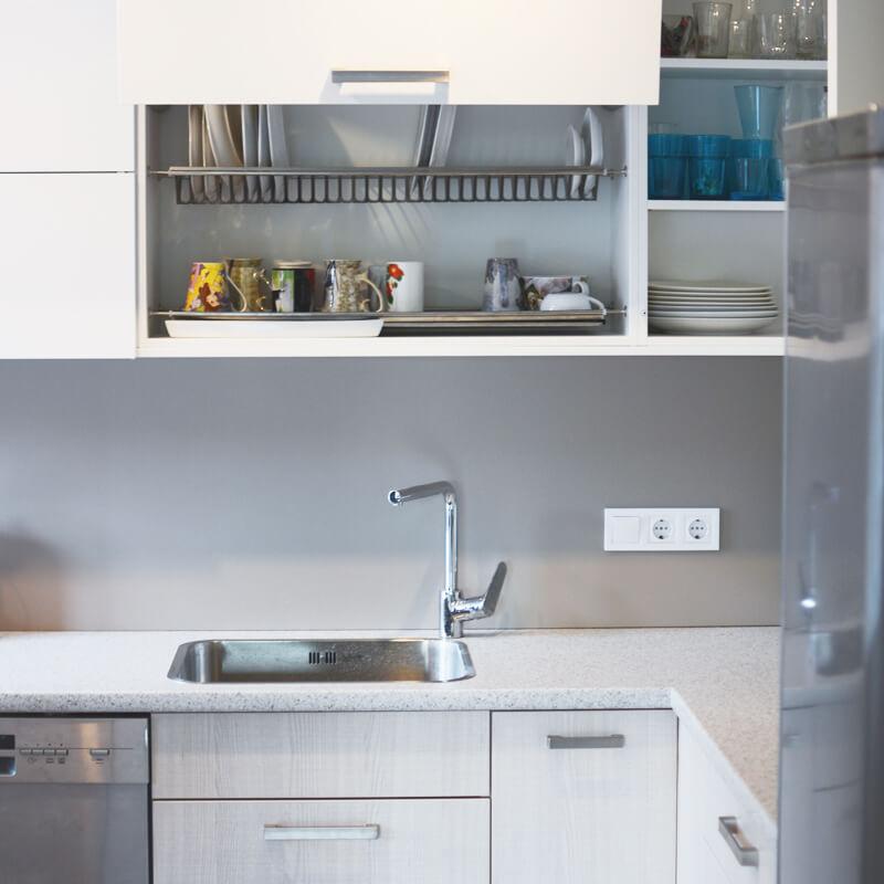 mēbeles - virtuves iekārtas attēls