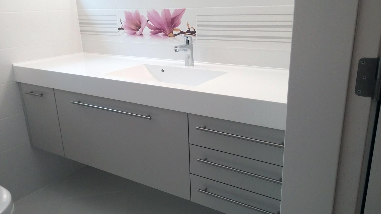 vannas istabas mēbeles